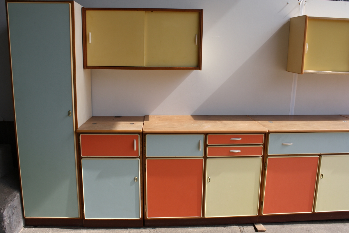 Eschebach Küchen küche eschebach ddr 50jahre pastell hellrot grün gelb blau